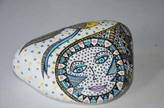 Sten med fisk by BAKAOS | diverse