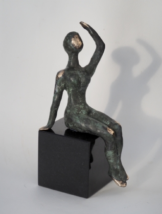 Unika Bronze skulptur på granitafNina Hansen