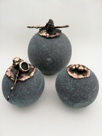 Krukker i stentøjsl.. by Nina Hansen | keramik