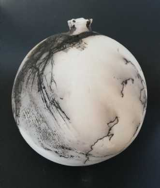 Raku Kugle. Brændt .. by Nina Hansen | keramik