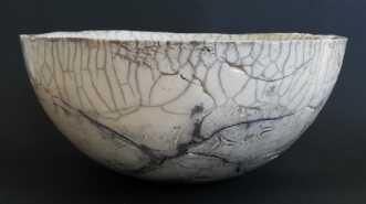 Raku skål 28 cm. by Nina Hansen | keramik