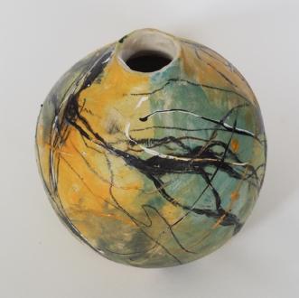 Vase i stentøj.afNina Hansen
