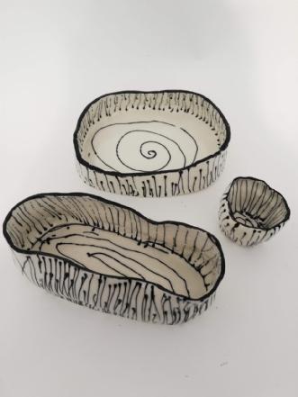 Porcelæn skåle. afNina Hansen