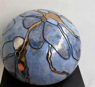 stor gobbel m. blom.. by Tove Balling | keramik