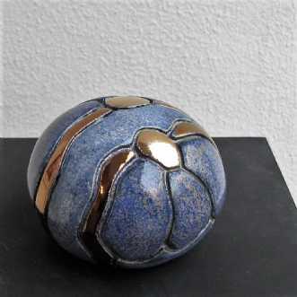 mini gobbel m. blom.. by Tove Balling | keramik