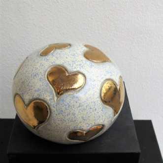 lille gobbel m. små.. by Tove Balling | keramik