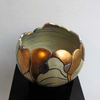 mellem gobbel åben .. by Tove Balling | keramik