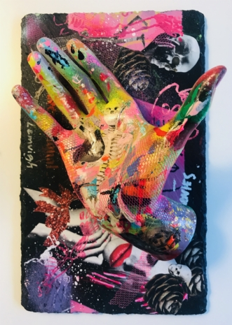 Hands nr. 1 by Merete Lemvigh | diverse