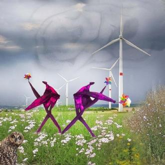 Blowing in the wind by Røllike Meinild | unikaramme