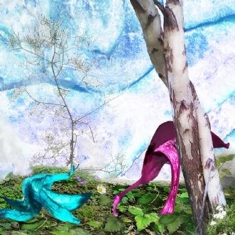 Blue in green by Røllike Meinild | unikaramme